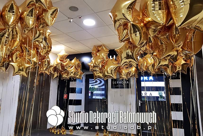 Balony foliowe z helem jako dekoracja biura