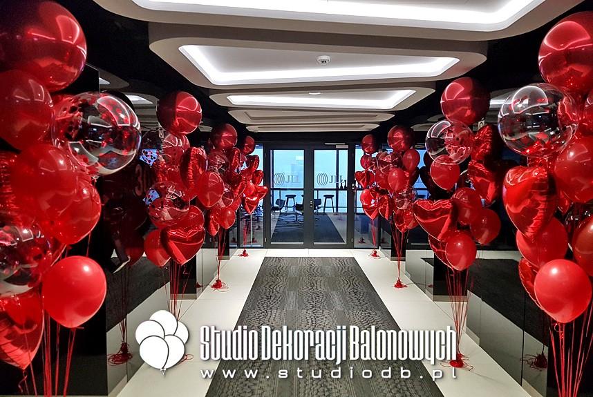 Balonowe dekoracje Walentynkowe biura