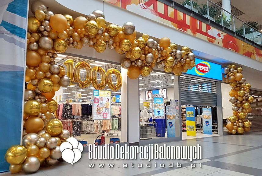 Dekoracje z balonów na otwarciu 1000 sklepu PEPCO