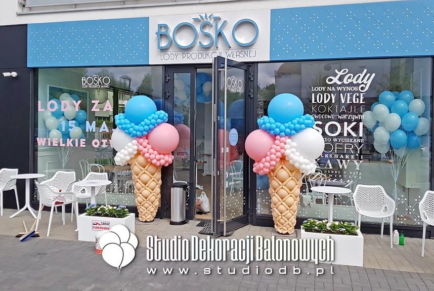 Kolumny balonowe - Lody z balonów jako dekoracja na otwarcie lodziarni w Warszawie