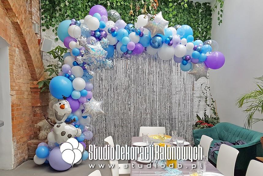 Ścianka balonowa na urodziny w temacie Kraina Lodu