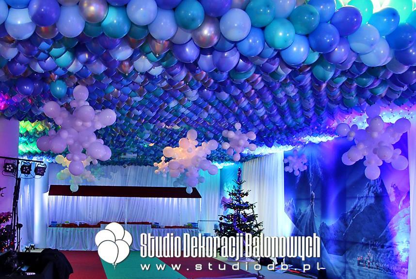Mikołajkowe dekoracje balonowe imprezy dla dzieci