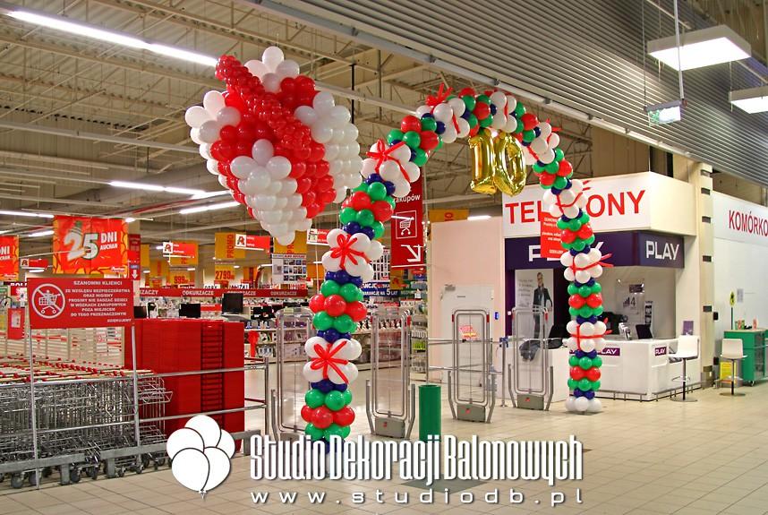Urodzinowa dekoracja balonowa supermarketu