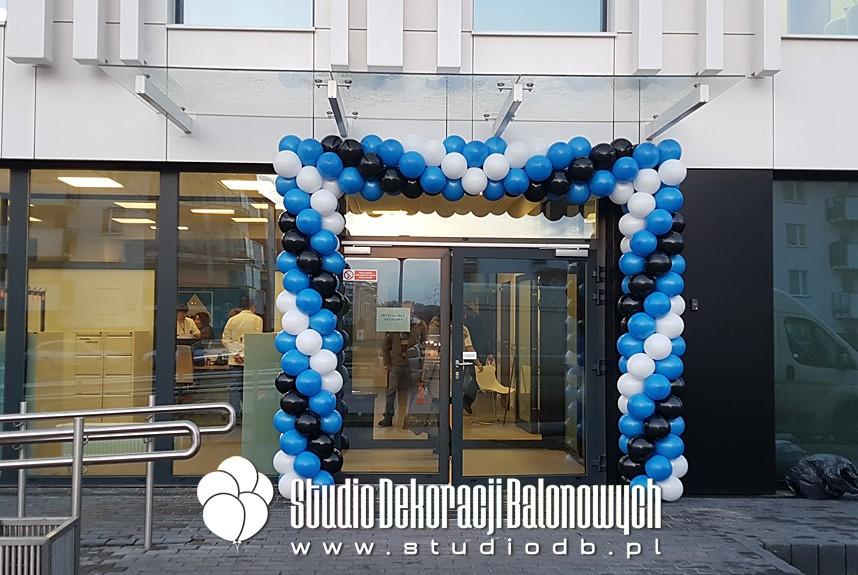 Brama balonowa na otwarcie przychodni lekarskiej na Bemowie