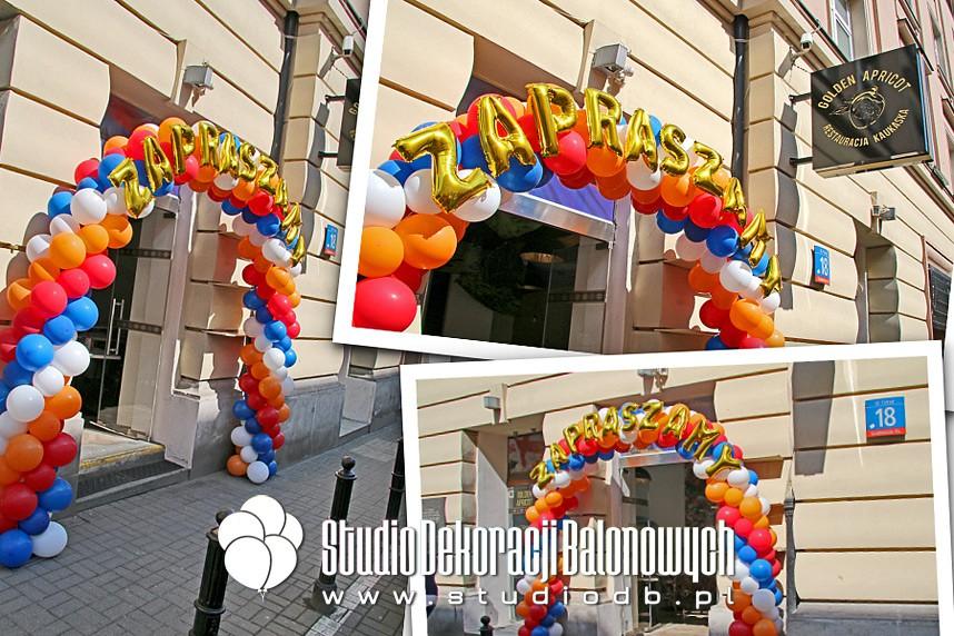 Brama z balonów na otwarciu Restauracji Kaukaskiej w Warszawie